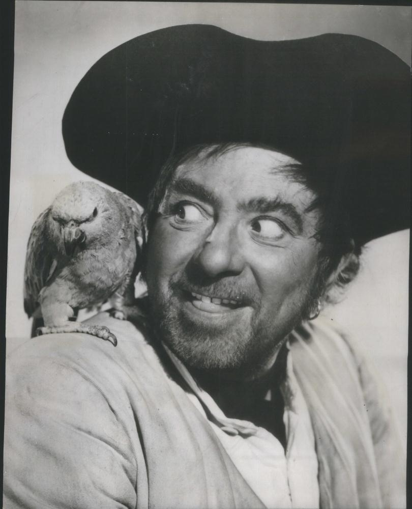 Robert Newton in Blackbeard Pirate, 1952